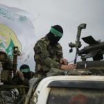 منها ديمونا ومنصة غاز.. كتائب القسام تعلن إطلاقها عشرات الصواريخ على أهداف إسرائيلية